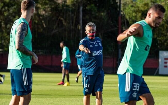 Flamengo recebe o Goiás nesta segunda