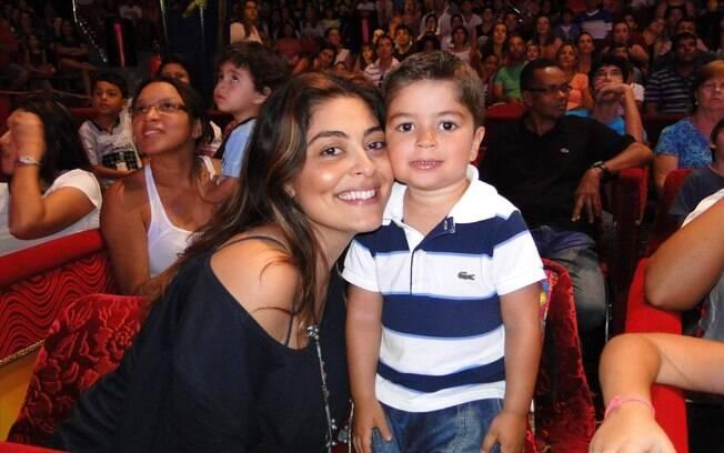 Juliana Paes levou o filho mais velho, Pedro...