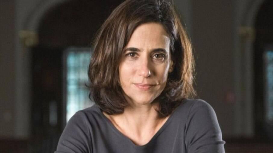 Mariana Lima fala sobre sexualidade e chegada aos 50 anos