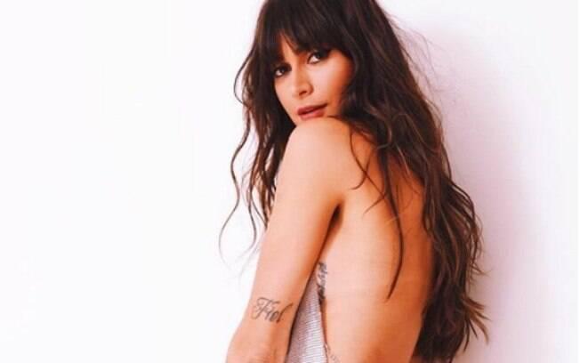 Thaila Ayala sensualiza com vestido decotado e enlouquece seus seguidores do Instagram
