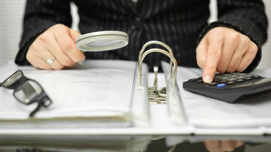 Fraudadores solicitam RG e CPF da vítima