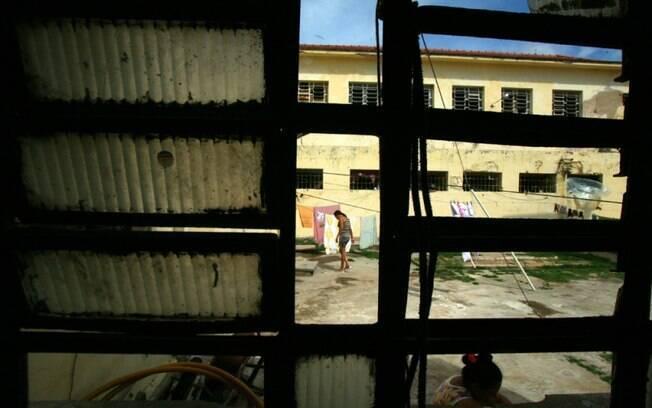 Especialistas consideram que o Poder Judiciário e o Ministério Público devem fiscalizar o cumprimento das penas