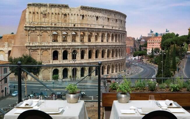 Palazzo Manfredi é vizinho ao Coliseu, em Roma