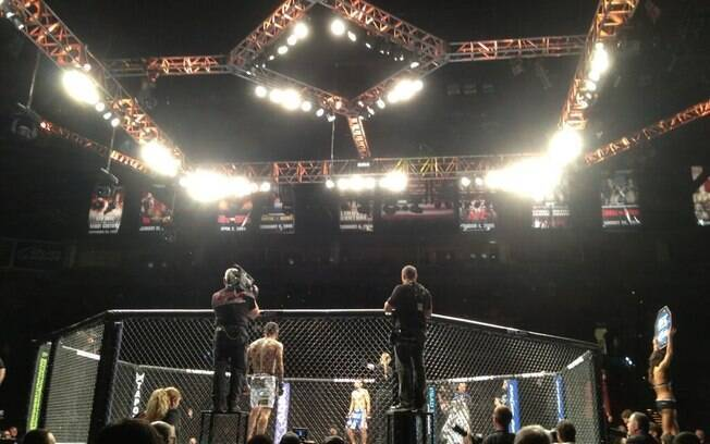 Duelo entre Francisco Rivera e Edwin Figueroa  abriu o UFC 156