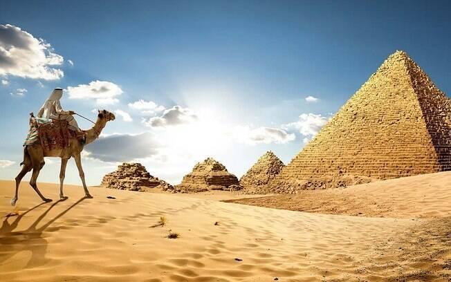 As Pirâmides de Guizé estão entre os pontos turísticos mais procurados do Egito