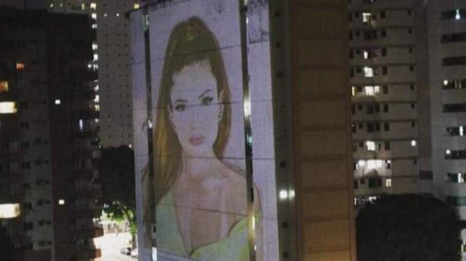 Juliette estampou prédio em Belém, no Pará