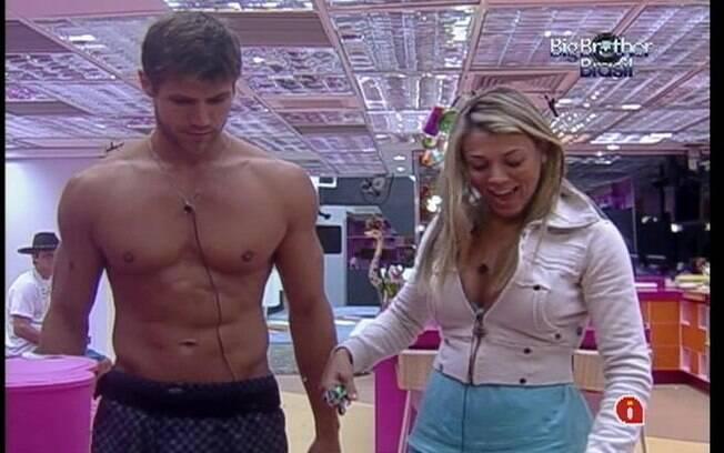 Fabiana conta que já era famosa e Jonas brinca: