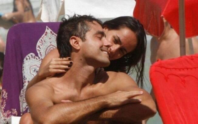 Ricardo Pereira recebe massagem da mulher, Francisca