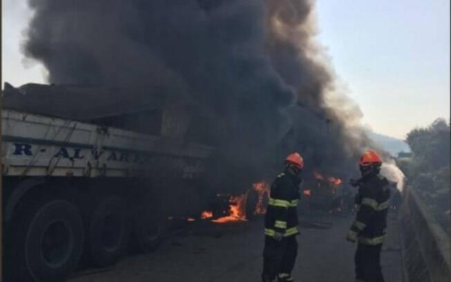 Grave acidente deixou dois mortos e 20 feridos em rodovia no interior de São Paulo nesta quarta-feira