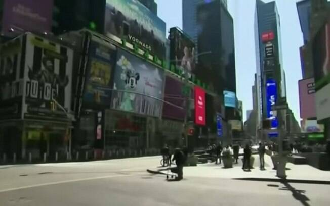 Governador de Nova York fala em reabertura