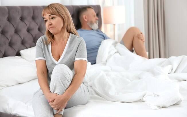 Menopausa é um dos motivos pelos quais as mulheres sofrem problemas com a lubrificação vaginal na hora do sexo