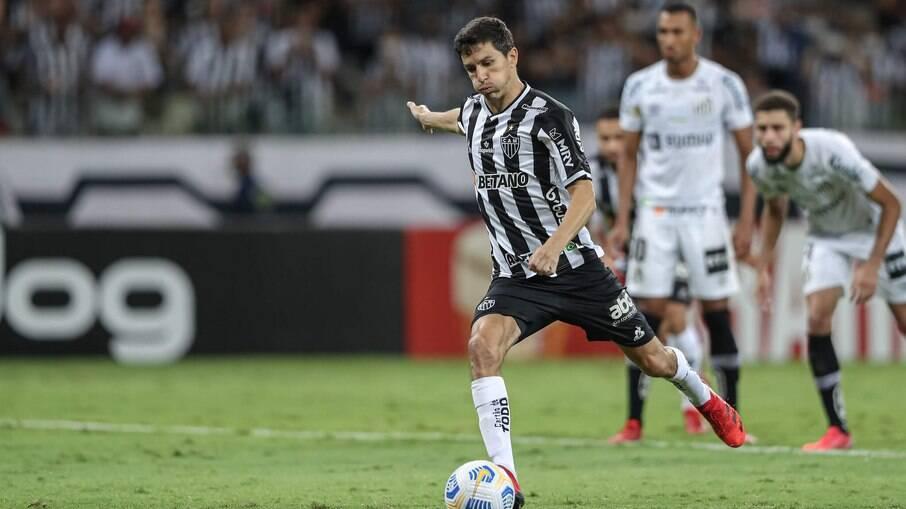 Nacho marcou dois na vitória do Atlético-MG sobre o Santos
