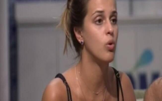 Angela discute com Marcelo