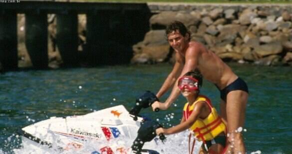 Sobrinho de Ayrton, Bruno Senna relembra diversão com o tio; assista