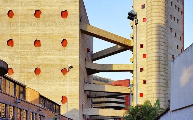Sesc Pompeia: um clássico da arquitetura paulistana. Impressiona pela força e delicadeza
