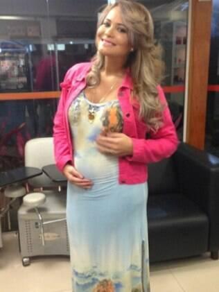 Geisy Arruda grávida de três meses