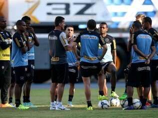 O Botafogo tem nesta quarta-feira, um confronto direto com o Figueirense, na luta contra o rebaixamento