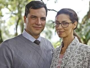 Maria Fernanda Cândido e Daniel Boaventura como Sandra e Jorge