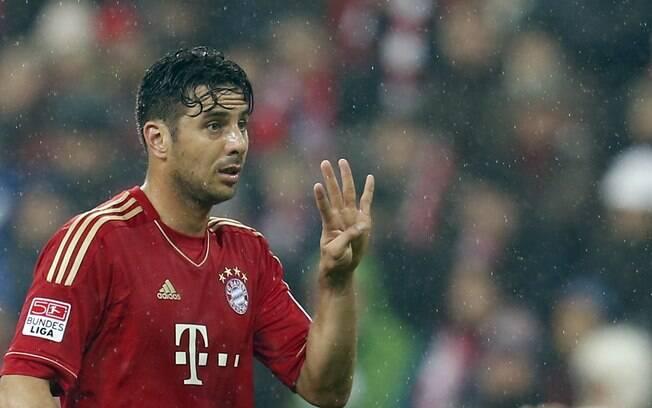 Claudio Pizarro fez quatro gols no massacre  do Bayern de Munique sobre o Hamburgo