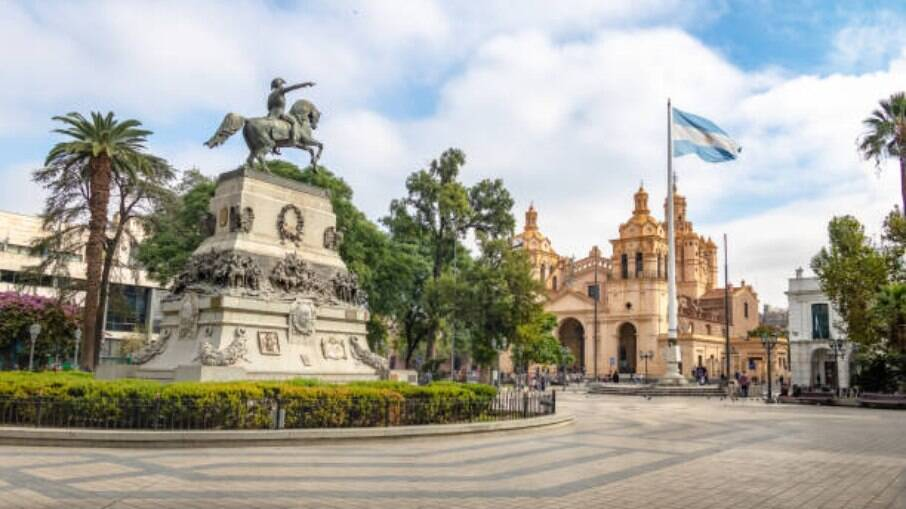 A reabertura das fronteiras argentinas reaqueceu o turismo brasileiro
