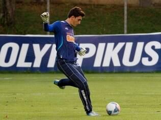 Rafael operou o menisco do joelho direito e ficará fora dos gramados por período não informado pelo Cruzeiro