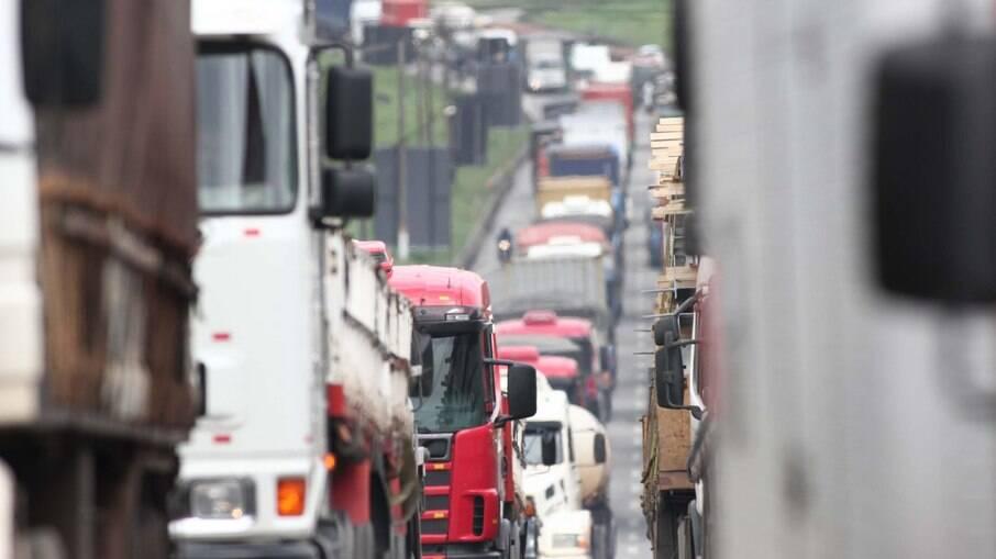 Confederação Nacional do Transporte garantiu que transportadoras seguirão trabalhando normalmente