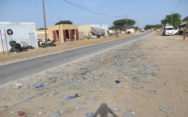 As estradas não são boas e é difícil o turista passar pelas fronteiras sem suborno