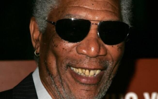 O ator Morgan Freeman também foge dos padrões de Hollywood e mantém os dentes ao natural