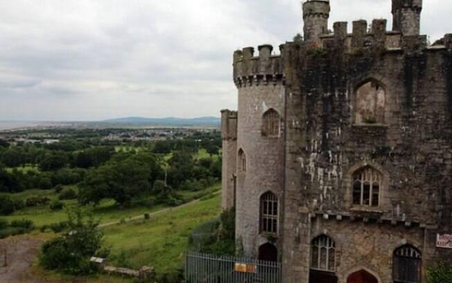 Um grupo de exploradores resolveu procurar o famoso fantasma castelo de Gwrych, no País de Gales