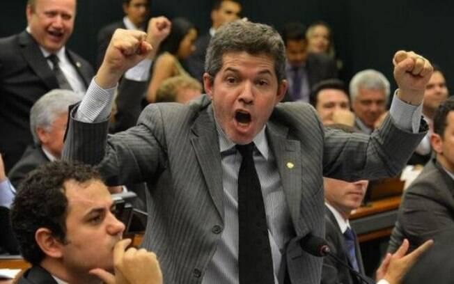 Líder do PSL, Deputado Delegado Waldir acredita que governo não terá dificuldades para a aprovar a reforma da Previdência no plenário