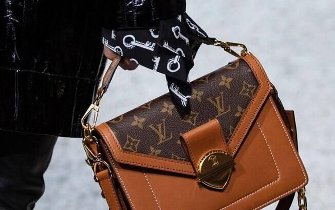 Famosa pelas suas bolsas exclusivas, a Louis Vuitton também já admitiu queimar os estoques em excesso para impedir cópias ilegais