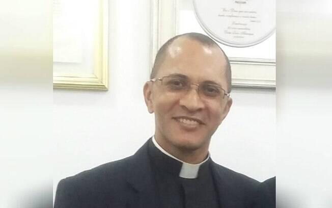 Padre Marco Aurélio foi preso e pode responder por estupro e tráfico humano