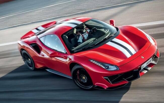 """Para jornalistas radiciais não é """"a"""" Ferrari, mas sim """"o"""" Ferrari, contrariando a """"Lei Carsughi"""" ao se referir ao carro"""