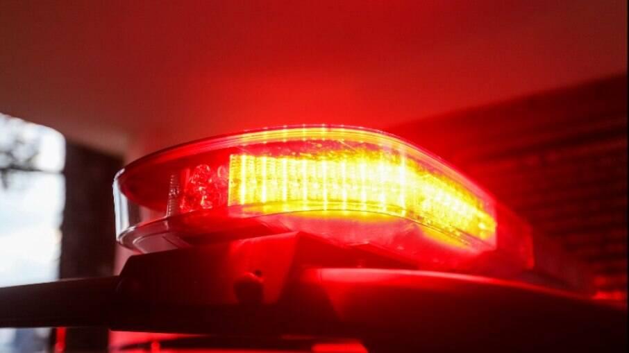 Polícia pediu prisão de suspeito de atirar na ex-mulher e na filha dela.