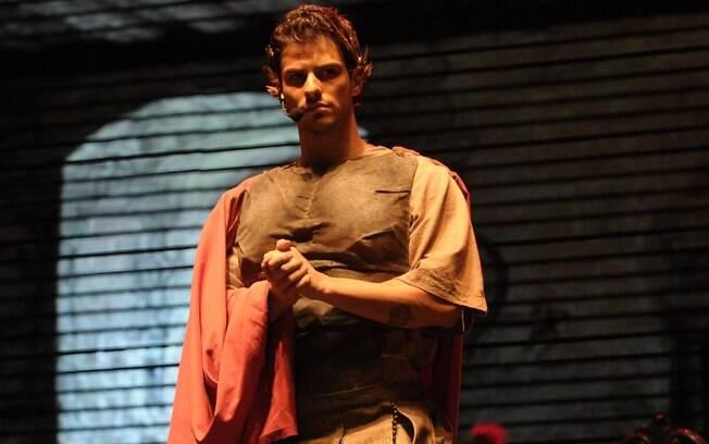 Lucas Malvacini como Pôncio Pilatos