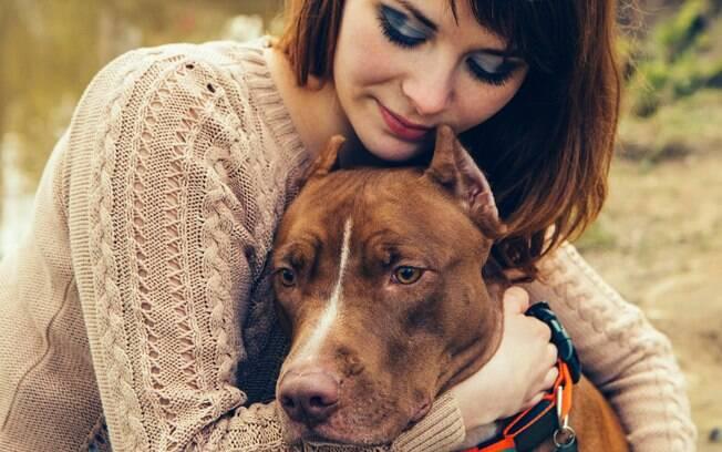 Cachorro fareja tumor em sua dona