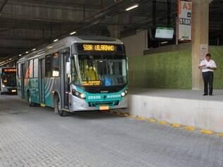 Passageiros de Lagoa Santa vão para a estação Vilarinho