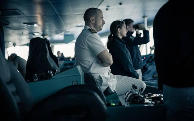 tripulantes em uma cabine em um cruziero