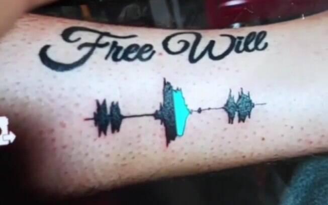 Ideias de tatuagem como a 'Soundwave tattoo' permite que a pessoa escute diferentes tipos de sons gravados na pele