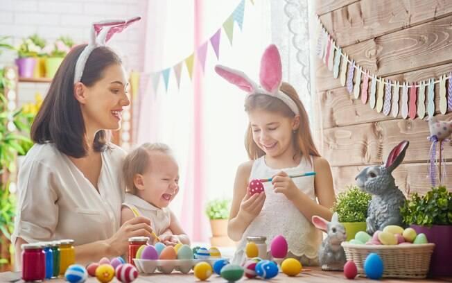 Brincadeiras de páscoa unem a família no feriado. Veja dicas do que fazer com os pequenos