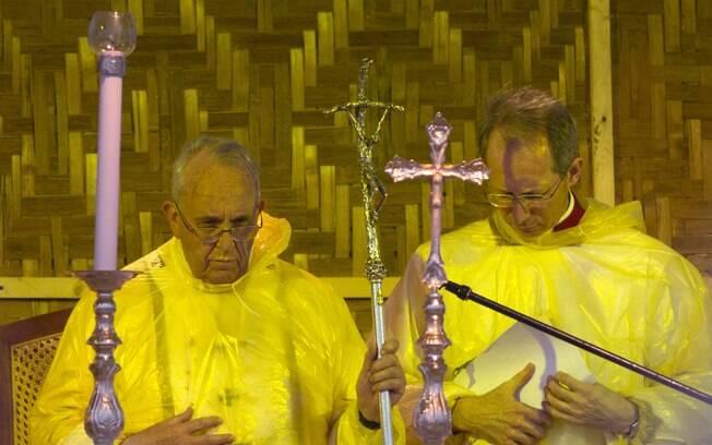 Papa Francisco celebra missa em Tacloban, nas Filipinas