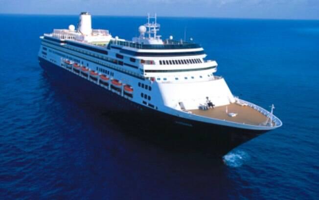 De um total de 1, 8 mil passageiros a bordo, 130 teriam relatado sintomas de gripe ou problemas respiratórios. Quatro morreram