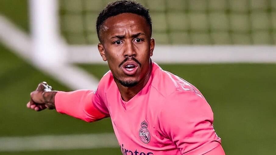Éder Militão defende o Real Madrid atualmente