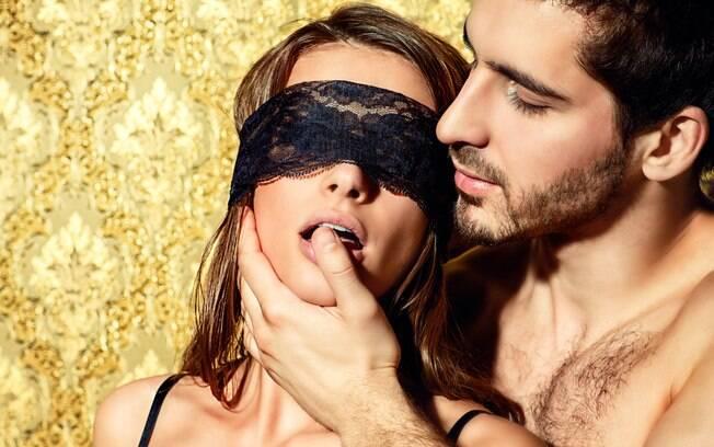Apostar em jogos eróticos é uma ótima forma de tirar o sexo da rotina e garantir mais prazer na hora da relação sexual