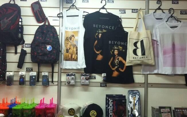 Itens da cantora Beyoncé estão sendo vendidos no Rock in Rio. Foto  Susan  Souza 494c14d07c0
