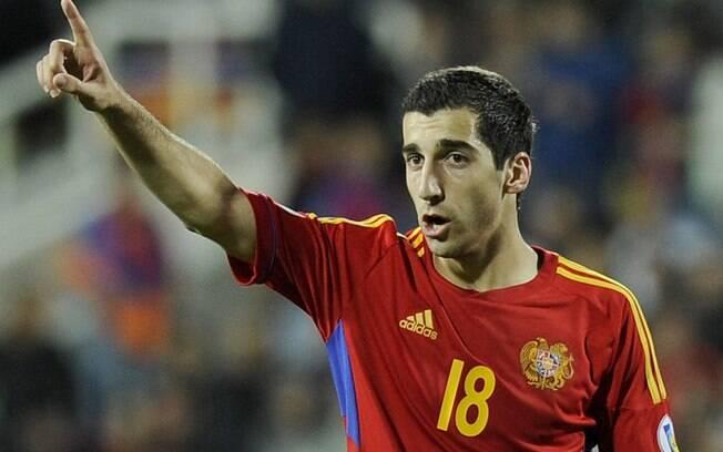 Mkhitaryan, do Manchester United, não conseguiu levar a Armênia para a Copa