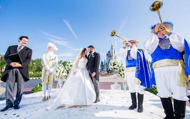 Jay Patel e Alexis Preston perderam tudo em furacão, mas ganharam um casamento na Disney digno de conto de fadas