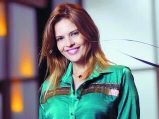 Perua. Raquel Nunes afirma que sua personagem exagera nos gestos, no tom de voz e nas roupas