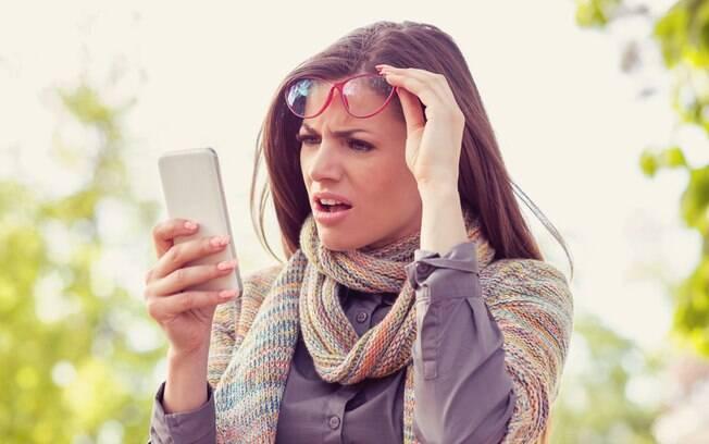 Através de um app de namoro, Hannah fez uma brincadeira e convenceu Patrick de que eles tinham o mesmo número