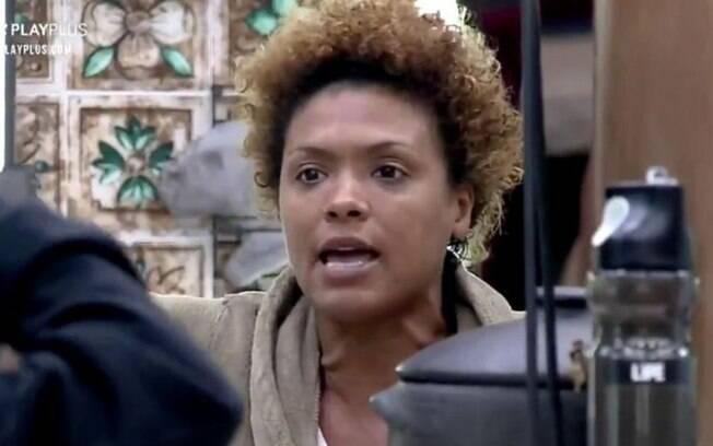Lidi Lisboa se revolta e chama Mariano de burro